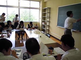 「吸着」について学習するグループ